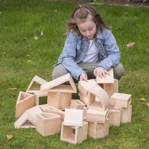Outdoor Natural Wooden Hollow Blocks plus Storage Tray