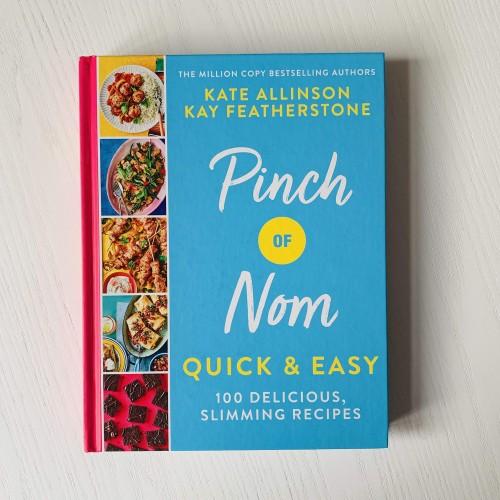 Pinch of Nom -  Quick & Easy - 100 Deliscious, Slimming Recipes