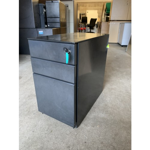 Narrow Mobile Pedestals, 3 Drawer. In Black Metal Finish. 550mm High x 300mm Width x 540mm Depth. 5 In Stock