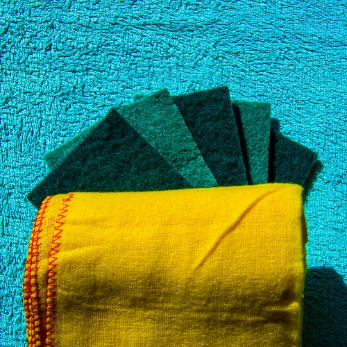 Cloths, Gloves & Scourers