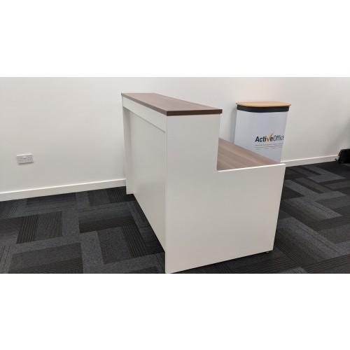 Ex-Display Welcome Maestro 25 Reception Desk 1462x890mm White Body/Walnut Top Reception Desks WD2514-W-99