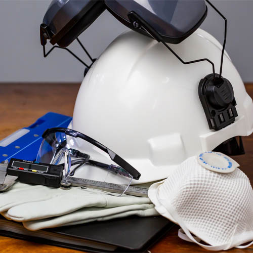 Safety Tips on Protective Workwear and PPE