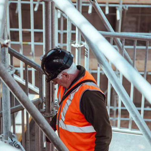 What You Should Consider When Buying Work Wear and PPE