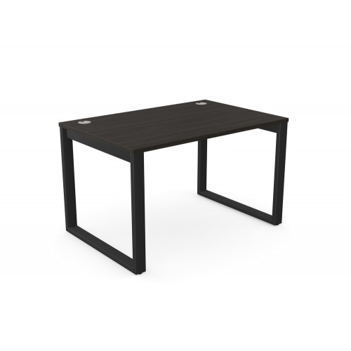 Switch Single Desk with Closed Leg