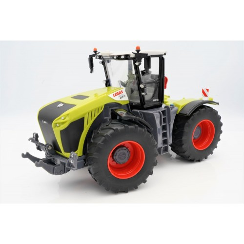 Britains 43246 CLAAS Xerion 5000, Collectable, Tractor Compatible with 1:32 Scale Farm Animals and Toys, Suitable for Collectors & Children from 3 Years, Green